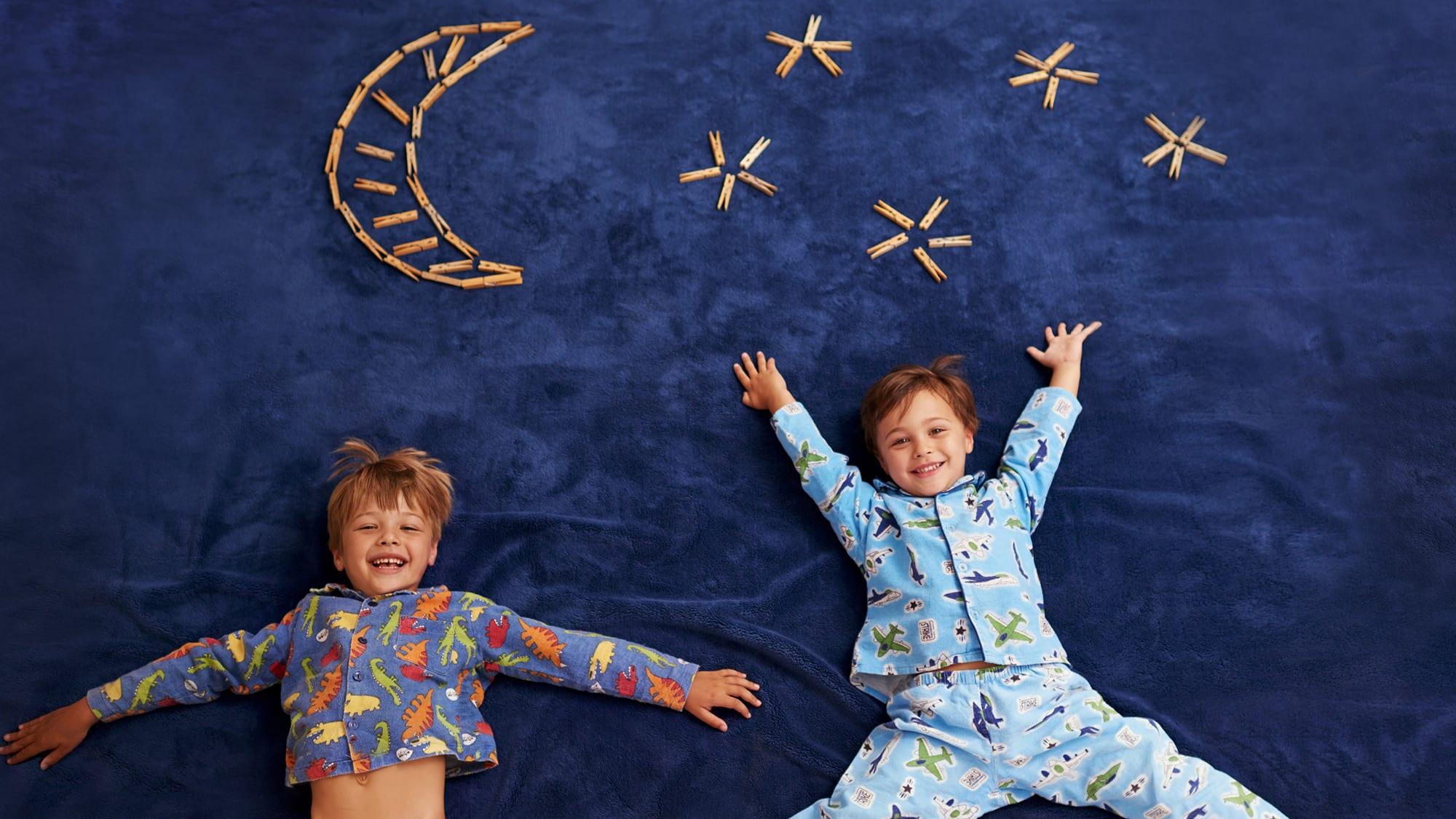 kids at pajama party