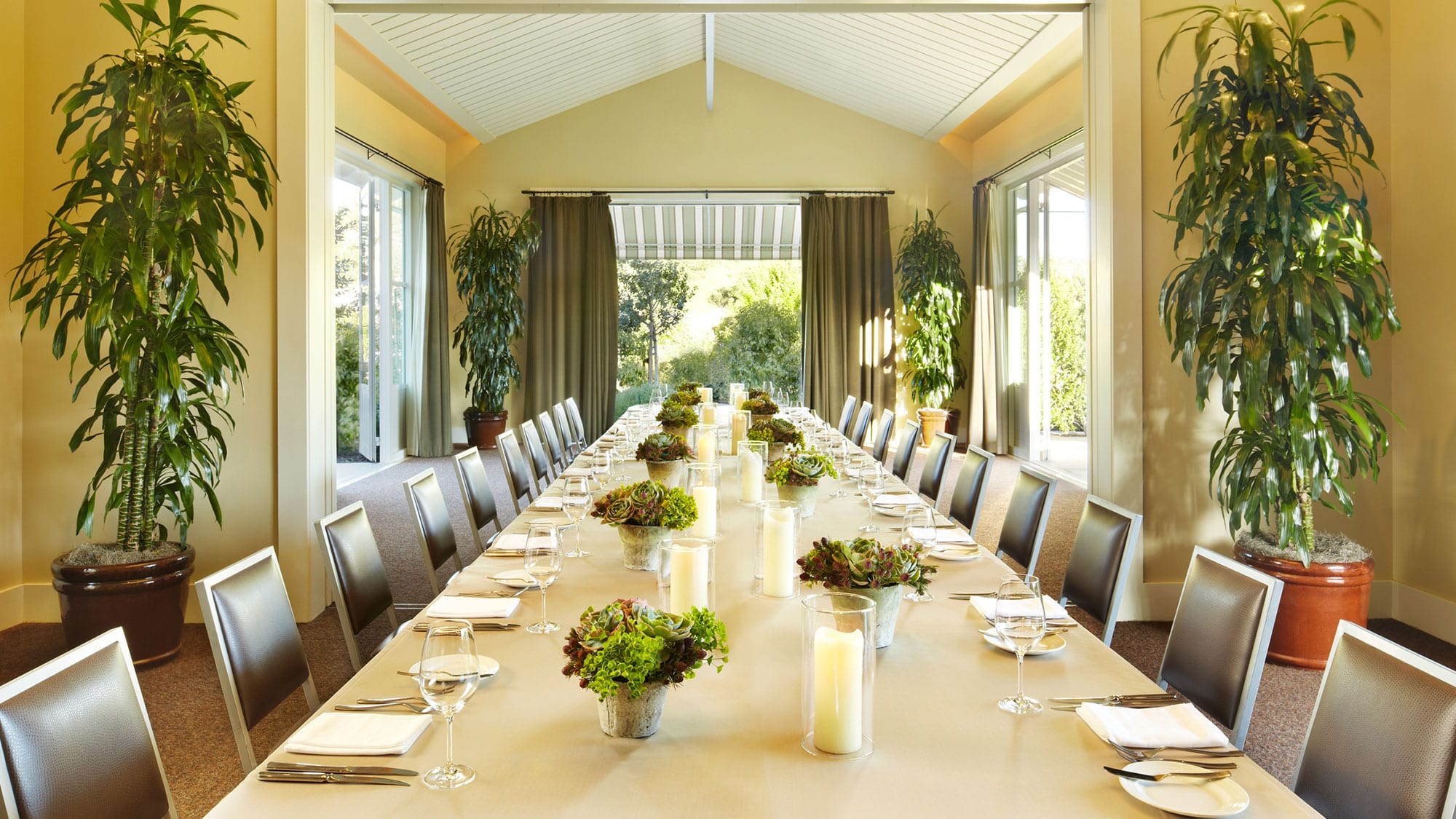long table for meeting